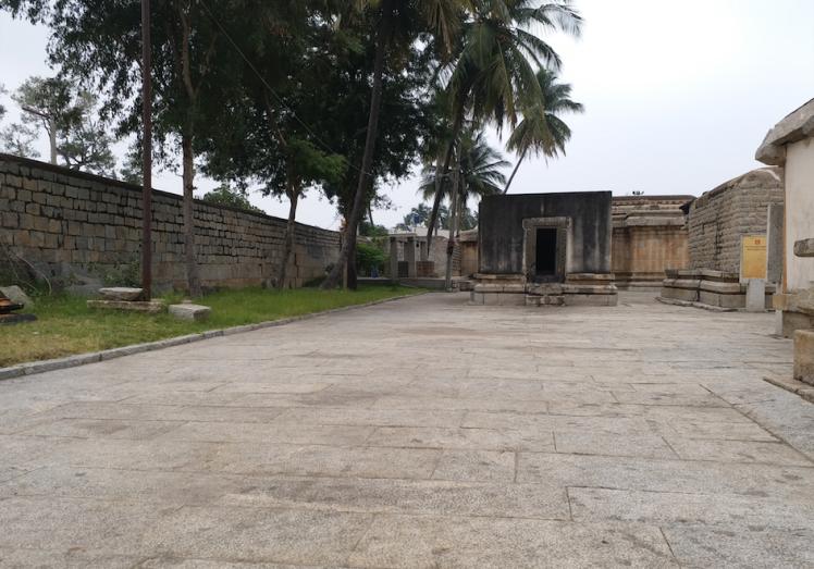 Ramalingeshwara temple complex.png