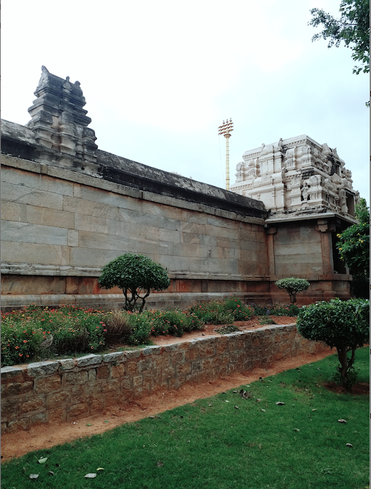 Entrance and periphery of lepakshi.png