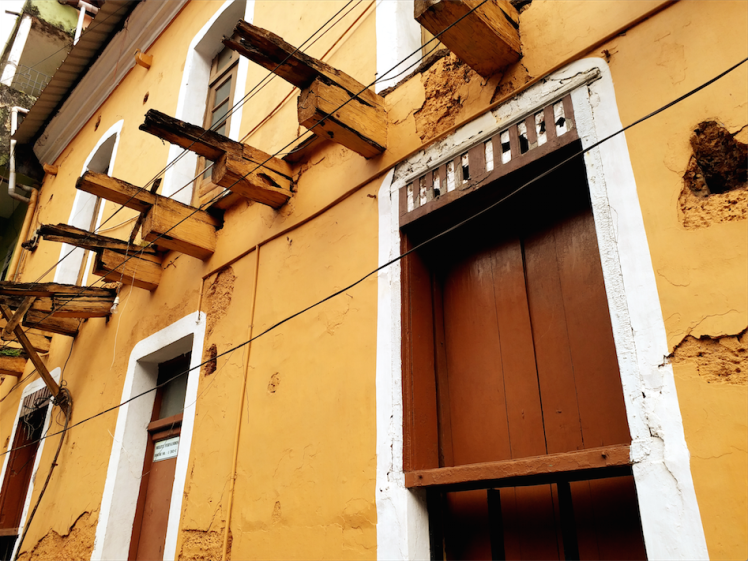 Doors -fontainhas goa.png