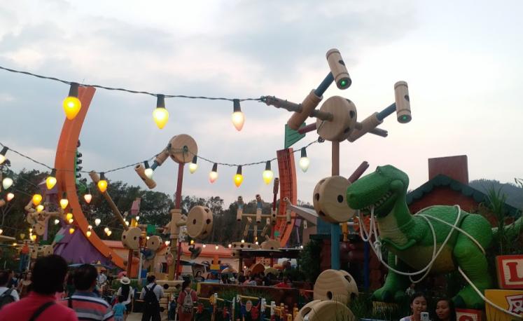 toyland, Disneyland hongkong.png